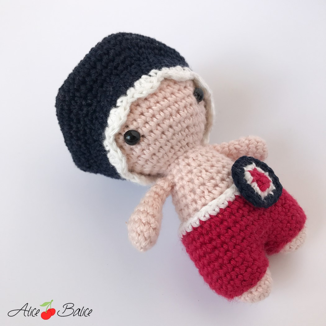 alice balice   tutoriel crochet   poupée   pattern   amigurumi   P'tit Pouce   tutoriel   France   fête nationale
