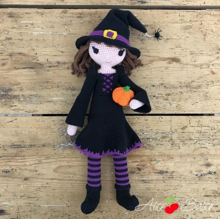 alice balice | poupée en crochet | doll | amigurumi | tutoriel | tutorial | sorcière | witch | halloween | Mélusine | Magie | sorcellerie