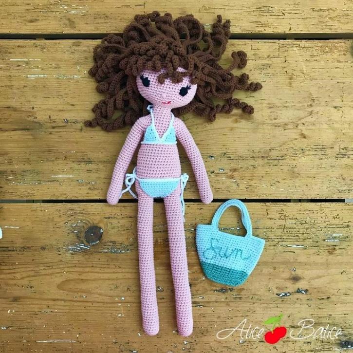 alice balice | poupée en crochet | doll | amigurumi | tutoriel | tutorial | tenue sea sun and fun | maillot de bain | sac de plage