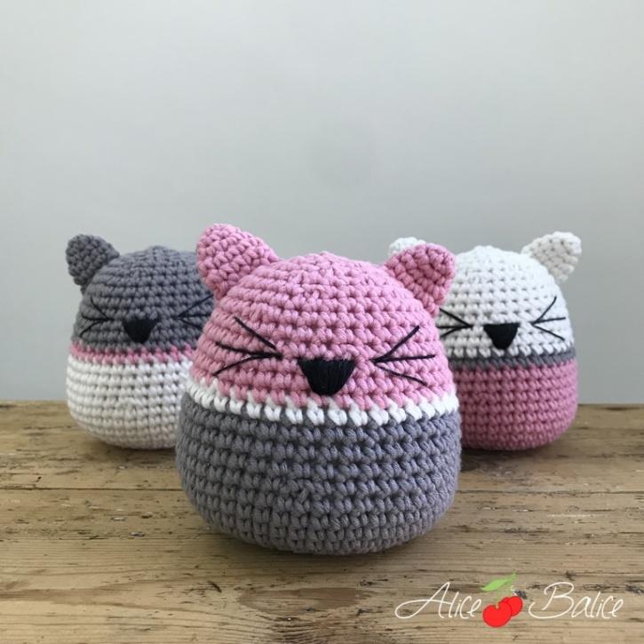 alice balice | kit créatif crochet | débutant | peluche chat albert culbuto | jouet | cale porte { déco | tutoriel