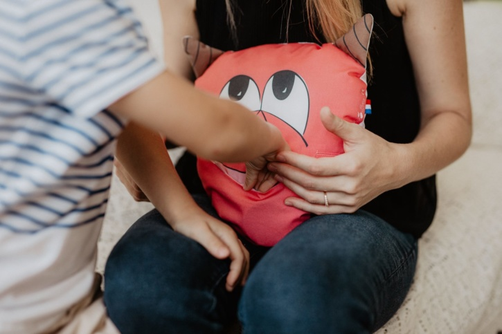 alice balice | l'Ami des émotions | mange problèmes | avale soucis | couture | sewing | patron | tutorial | tutoriel | gestion des émotions | outil pédagogique | coupon de tissu prêt à coudre | niveau débutant | renard | licorne